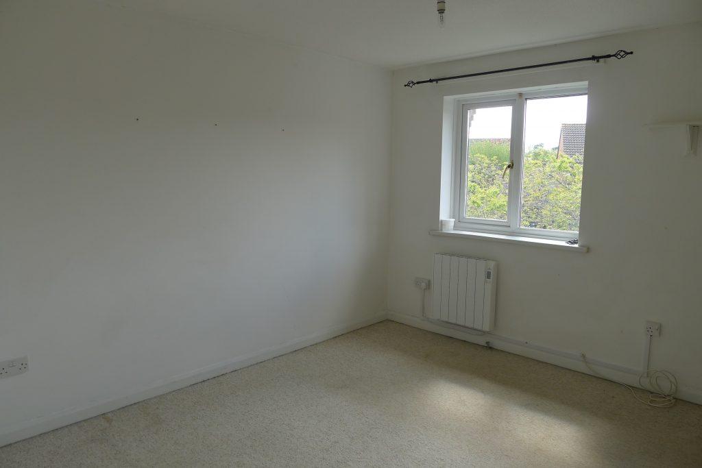 Property-24-Holmes-Road (6)