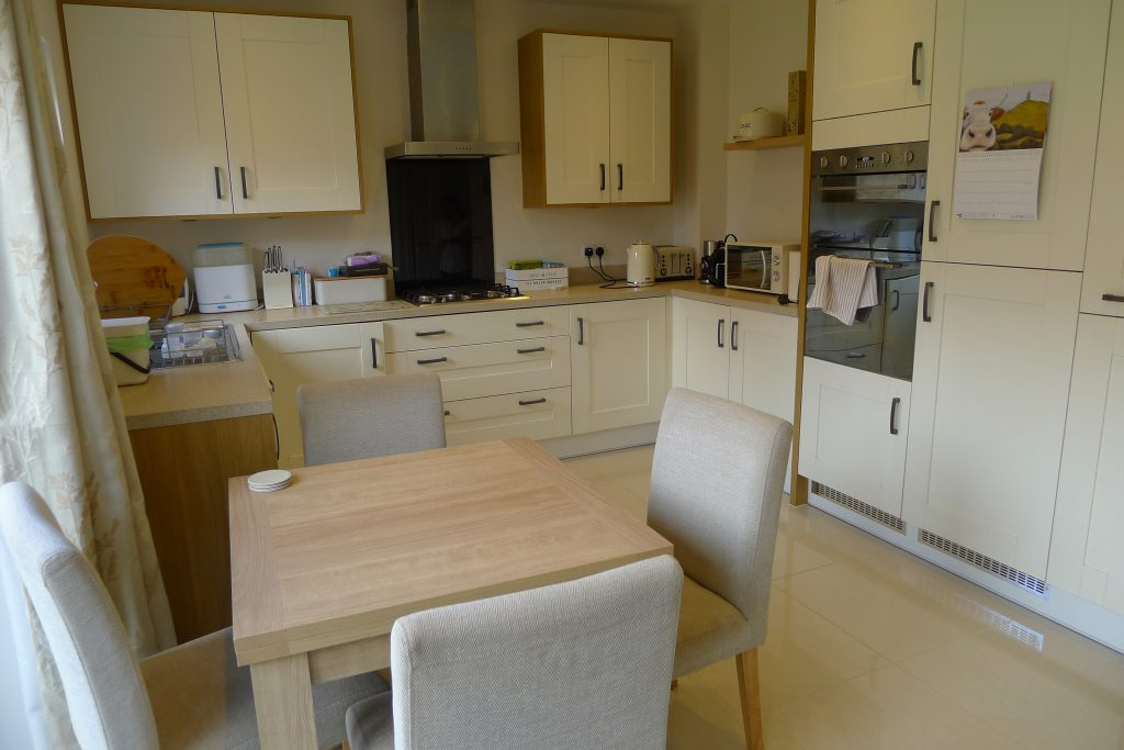 Property-Robin-Way-Kingsteington (11)