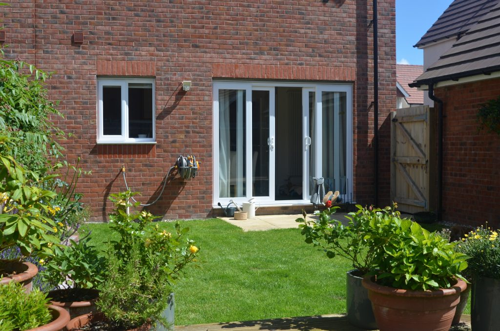 Property-Robin-Way-Kingsteington (8)